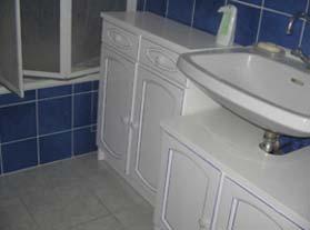 meubles salle de bains aprs peinture satine liser bleu - Peindre Un Meuble De Salle De Bain